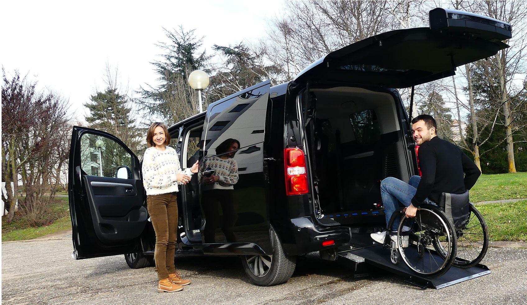 véhicule handicapé TPMR adapté par DIJEAU